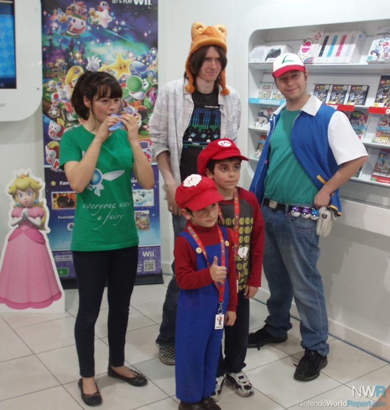 Dude a Tanooki hat doesnu0027t count as a costume! & Holiday Games at the Nintendo Experience - Feature - Nintendo World ...
