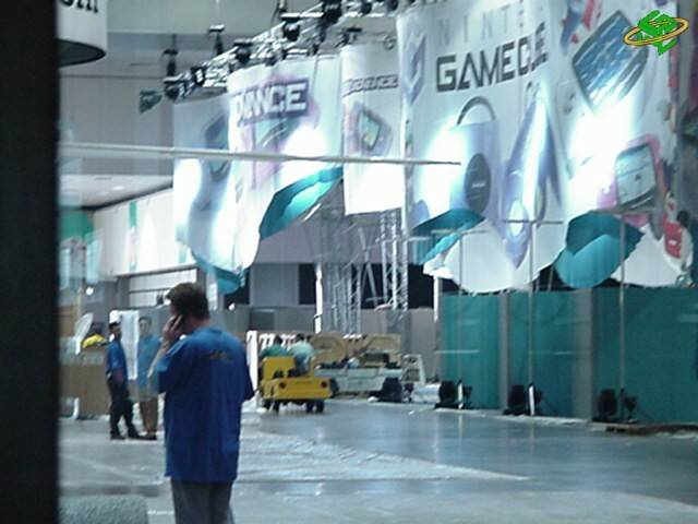 Electronic Entertainment Expo 2001: Setting up the New Nintendo Booth